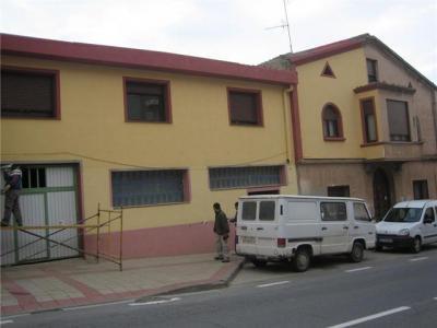 La casa parroquial y salones de catequesis