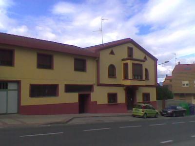 Casa parroquial y salones de catequesis